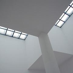 Hom 201QUAD (LichtEinfall) Tags: light sculpture white abstract wall licht ceiling weiss hombroich abstrakt erpe raperre