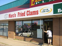 "fried clams • <a style=""font-size:0.8em;"" href=""http://www.flickr.com/photos/70272381@N00/226759967/"" target=""_blank"">View on Flickr</a>"