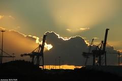 Tt le matin  Saint-Nazaire (antoinebouyer) Tags: nuage soleil rayons ciel sky cloud temps