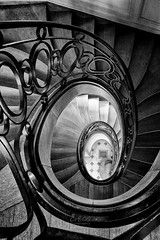 Scatterbrain (CrËOS Photographie) Tags: architecture stairs spiral arch belgique stairway staircase escalier marche spirale ironworks staiwell beloeil ferronnerie platinumheartaward régionwallonne