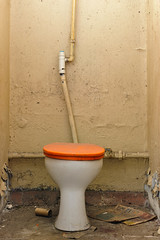 20110813-FD-flickr-0015.jpg (esbol) Tags: bathroom shower ceramics sink bad toilet toilette bathtub badewanne urinals pissoir keramik dusche waschbecken kloschssel kloset