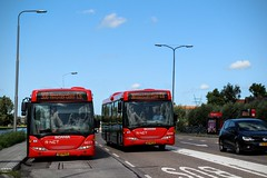 EBS Scania bussen 4077 lijn 308 & 4046 Lijn 301,  Jaagweg (Ilpendam Dorp) (Don Maskerade) Tags: red bus village publictransport autobus dorp ebs ilpendam rnet jaagweg
