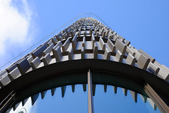 Jagged (Hkan Dahlstrm) Tags: architecture photography se skne sweden niagara uncropped malm hus f40 2015 vstrahamnen hgskola skneln akademiska xe2 xf35mmf14r sek niagarahuset 6027092015114437