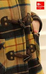 CC-0019 - เสื้อโค้ทกันหนาวลายสก๊อตกระดุมสามแถวพร้อมหมวกฮู้ดและเข็มขัดข้อมือสวยหรูอย่างมีสไตล์