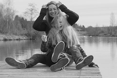 Isa und Hanni (Alealina) Tags: mutter tochter sw people family