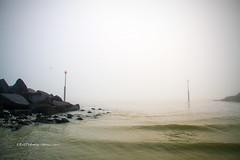 Thick fog (rhfo2o - rick hathaway photography) Tags: rhfo2o canon canoneos7d elmer elmersands bognorregis bognor westsussex beach sea seaside seadefences waves sky fog