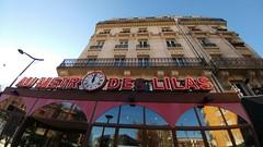 Au Metro des Lolas (Toni Kaarttinen) Tags: parís paris parizo pariisi párizs parigi パリ parijs paryż париж 巴黎 frança frankreich francio francia ranska france צרפת franciaország フランス frankrijk francja franţa франция frankrike 法國 iledefrance parisian stattion metro cafe cloxk clock