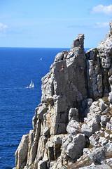 Escaladeuse à Pen-Hir (Jultom T.) Tags: stone water crozon finistère bretagne france climbing escalade atlantique ocean