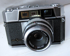 IMG_3111 (zaphad1) Tags: aires viscount 1959 rangefinder range finder 35mm film old manual camera f28 45cm 28 lens q coral aries