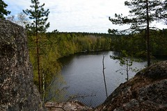 A lookout post along Haukankierros trail, Nuuksio national park (NW corner of Haukkalampi, Vihti, 20120520) (RainoL) Tags: lake forest finland geotagged spring may v fin nuuksio 2012 uusimaa vihti 201205 haukkalampi nuuksionationalpark 20120520 lakesofnuuksio fl20140812 geo:lat=6031086400 geo:lon=2450311400
