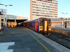 153318 & 153372 Plymouth (3) (Marky7890) Tags: station train plymouth railway devon dmu class153 fgw supersprinter 2c51 153318 153372
