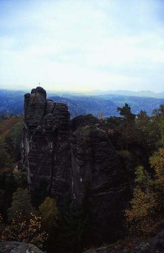 "Elbsandsteingebirge (060) Mönchsfelsen • <a style=""font-size:0.8em;"" href=""http://www.flickr.com/photos/69570948@N04/21292356804/"" target=""_blank"">View on Flickr</a>"
