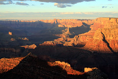 Deep shadows (Rana Saltatrice) Tags: sunset panorama usa nature america eos rocks tramonto shadows grandcanyon deep rocce paesaggio landascape statiuniti profondo formazionerocciosa canon100d rebelsl1 valentinaconte
