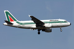 Alitalia Airbus A319-112 EI-IME (Kambui) Tags: airplane airplanes planes airbus flugzeug alitalia aviones avions flugzeuge a319  avies aeroplani kambui