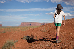 Trekking in Monument Valley (20'cents) Tags: usa monumentvalley lise