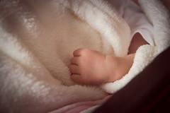 Ainhoa  (1 semana) (Juanedc) Tags: sleeping espaa baby girl beautiful spain hand nia zaragoza newborn mano aragon bebe es hermosa saragossa beba durmiendo ainhoa neonato valdespartera