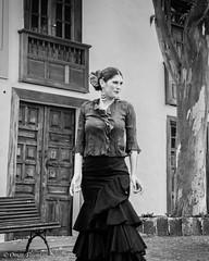 Ballerina di Flamenco al mercato domenicale di Tigua. Flamenco's dancer in Tigua's street sunday market. (omar.flumignan) Tags: street holiday canon island spain ballerina strada artist market lanzarote dancer unesco 7d mercato flamenco vacanza spagna artista isola canarie ef24105f4lisusm tigua