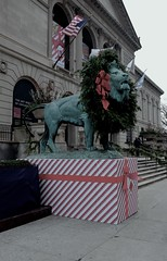 Lion (ancientlives) Tags: christmas travel decorations usa chicago illinois december fuji streetphotography wreath lions tuesday artinstitute 2015 23mm fujix100s