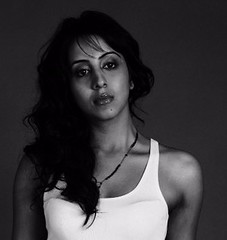 South Actress SANJJANAA Unedited Hot Exclusive Sexy Photos Set-19 (21)
