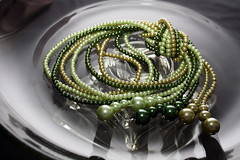 Bijus Rose (angelasmorato) Tags: bijouteries bijus bijuterias joias pérolas verde colares areia vidro