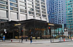 McDonald's Chicago Loop (Cragin Spring) Tags: mcdonalds fastfood restaurant loop chicagoloop downtown building architecture chasebankbuilding downtownchicago city chicago chicagoillinois chicagoil chitown windycity illinois il midwest urban unitedstates usa unitedstatesofamerica