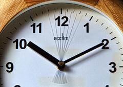 13/365: Tick-tock, Tick-tock (Den's Lens 2000) Tags: longexposure clock flickrfriday