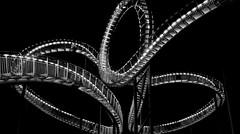 Tiger and Turtle (vb-bildermacher) Tags: tigerandturtlemagicmountain tigerandturtle magicmountain tiger turtle magic mountain landmarke nacht ruhrgebiet ruhrpott duisburg nrw achterbahn angerpark grosskulptur heikemutter ulrichgenth ruhr schlackedeponie skulptur bauwerk looping halde industriebetriebe stahl rollercoaster coaster art kunst kultur denkmal monument menschen klettern aufstieg treppen schwarz weis weiss bw licht nachts dunkel lichttreppe lichterkette kurven curve twist light