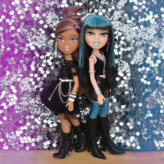 I Want Your Everything As Long As It's Free (Mad Lynx) Tags: bratz doll dolls live concert lic space angels angelz pop stars starz nevra jade rare