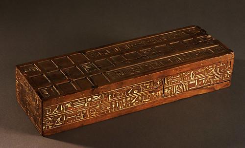 "Senet - Lujoso sistema de objetos lúdicos obsequio del dios Toht a la faraona Nefertari • <a style=""font-size:0.8em;"" href=""http://www.flickr.com/photos/30735181@N00/32369503242/"" target=""_blank"">View on Flickr</a>"