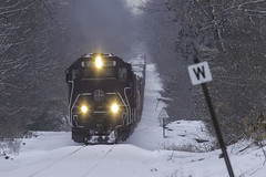 Over the hill (Thomas Coulombe) Tags: panamrailways panam powa emdsd402m sd402m freighttrain train snow winter oakland maine