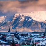 Reykjavik... ombres et lumières/shadows and lights/skugga och ljus thumbnail
