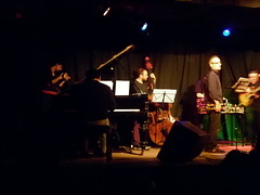 Jazz Concert en Teatro de la Media Legua - Martínez (dinaalb) Tags: de arte guitarra piano jazz vida dina bateria música artes bandejas bitácora contrabajo músicos trompeta visuales vinilos