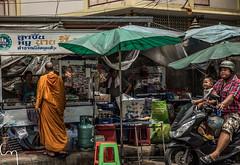 _DSC4461 (Chill Mimi) Tags: life urban asian thailand asia bangkok streetphotography hussle