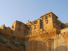 "Fort de Jaisalmer <a style=""margin-left:10px; font-size:0.8em;"" href=""http://www.flickr.com/photos/127723101@N04/21767329933/"" target=""_blank"">@flickr</a>"