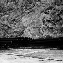 6- L'uomo lascia tracce (Gattacicova92) Tags: italy white black 120 6x6 film analog zeiss mediumformat square italia industrial decay documentary story medium format rodinal bianco ilford fp4 nero analogica storytelling argentique reportage 80mm pentaconsix pellicola decadenza rullino biometar filmisnotdead praktisix filmisalive praktisix2 believeinfilm luomolasciatracce