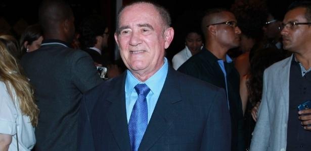 """Renato Aragão diz que fica apreensivo ao ver sua filha Lívian em """"Malhação"""""""