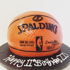 Slam dunk (3887) (Asweetdesign) Tags: basketball cake square squareformat lark fondant spalding 3dcake basketballcake iphoneography nbacake instagramapp uploaded:by=instagram foursquare:venue=4d28cb28068e8cfa7858c94c