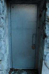 Kriegs - Kommandoposten KP Kien A1980 ( Bunker - Militrbunker - Baujahr 1940 - 1942 ) der Reduitbrigade 21 des Reduit des zweiten Weltkrieg in der Kien - Schlucht bei Reichenbach im Kandertal im Berner Oberland im Kanton Bern der Schweiz (chrchr_75) Tags: christoph hurni chriguhurnibluemailch chrchr chrchr75 chrigu chriguhurni dezember 2015 albumzzz201512dezember albumkleinesstachelschweinreduitbrigade21 reduit reduitbrigade 21 reduitbrigade21 landesverteidigung armee militr zweiter weltkrieg second world war