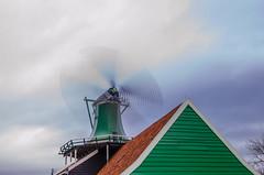 _DML1480 (duncen.mcleod) Tags: windmill ren marken zaanseschans molens paardvanmarken oudehuisjes