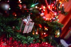 Christmas little gif (J2Andrés) Tags: alegría arbolito bolas color conceptos decoración decorado dorado luz luces navidad plateado regalo rojo temporada vacacionesfestividad verde arbol dehombre detallearquitectónico categoríadeedad genero partesdecasa educación