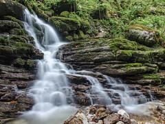 Wasserfall am Tauglbach 4946 (fotoflick65) Tags: salzburg nature iso100 sterreich wasser wasserfall stones natur steine f11 leopold frh 13st tennengau fl18 d7000 18105mmf3556gvr kepplinger tauglbach ym10 sanktkoloman fl1625 fotoflick65 ni18105 1020st y2015