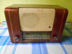 ESPLENDIDO RADIO DE BULBOS PHILIPS CM50 DE 1947 DSCN3026 (henkjav1) Tags: de antiguos radios bulbos