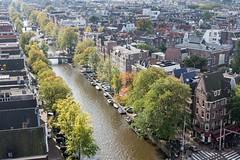 Prinsengracht, Amsterdam. (parnas) Tags: street autumn amsterdam herfst streetphotography prinsengracht grachten westertoren straat westerkerk