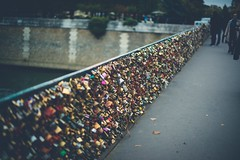 Paris (maricherepetto) Tags: paris france candados puentedeloscandados