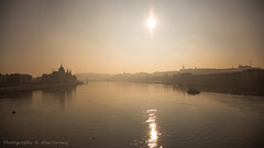 Budapest - Donau (Alex Verweij) Tags: backlight canon budapest 5d parlement zon donau burcht boedapest kettingbrug alexverweij
