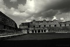 Cuadrngulo de las Monjas (marthahari) Tags: bw blancoynegro monochrome mxico blackwhite arquitectura maya yucatn mayas airelibre arqueologa monocromtico zonaarqueolgica surestemexicano
