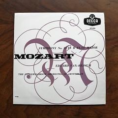Mozart - Symphony No.33 - ConcertGebouw Orch., Eduard van Beinum, Decca LW , 10 inch, (Piano Piano!) Tags: lprecordalbumcoverartsleeve12inch vynilvinyl mozartsymphonyno33concertgebouworch eduardvanbeinum deccalw 10inch