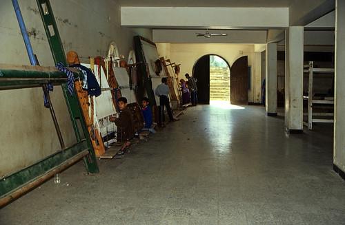 """Ägypten 1999 (557) Kairo: Teppichknüpferei in Gizeh • <a style=""""font-size:0.8em;"""" href=""""http://www.flickr.com/photos/69570948@N04/31456630832/"""" target=""""_blank"""">Auf Flickr ansehen</a>"""