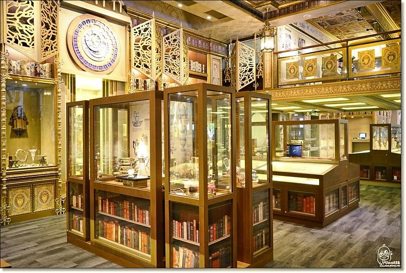 32399718861 81b98f2342 c - 『熱血採訪』台中東區 CUCLOS Cafe & Kitchen 馥樂詩輕食餐廳/新天地西洋博物館-一起走入文藝復興時期的古典歐洲之旅,造訪台中最美麗古典優雅的圖書館餐廳