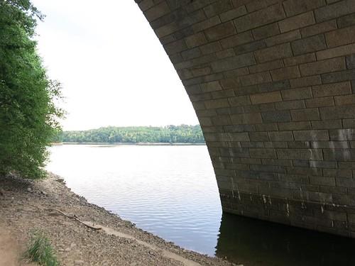 A72 Talbrücke Pöhl bei Neuensand Juli 2015_035